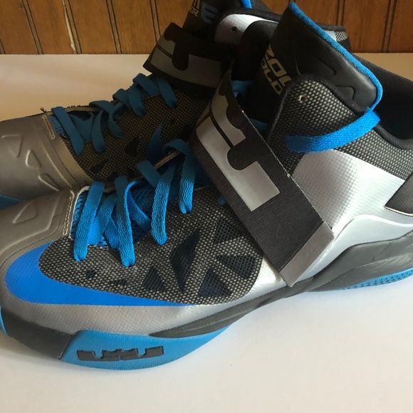 lowest price fb30b bc34d Nike Zoom Soldier VI Lebron James Size 12